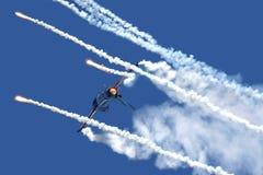 Chiarori cadenti F-16 Fotografia Stock