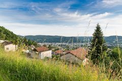 Chiasso Ticino kanton, Schweiz Sikt av staden av italienare Schweiz, från över, på en härlig solig dag Royaltyfria Bilder
