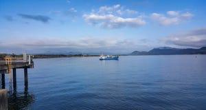 Chiatta al porto di pesca di Lucinda fotografia stock libera da diritti