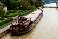 Chiatta del fiume di Danubio immagini stock libere da diritti