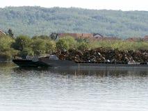 Chiatta della ferraglia sul Danubio Fotografia Stock Libera da Diritti