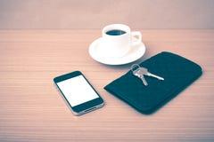 Chiave e portafoglio del telefono del caffè Immagini Stock Libere da Diritti
