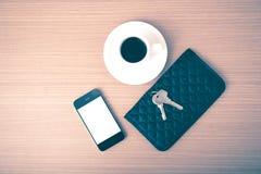 Chiave e portafoglio del telefono del caffè Fotografia Stock Libera da Diritti