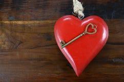 Chiave felice di giorno di biglietti di S. Valentino al mio concetto del cuore Fotografia Stock Libera da Diritti