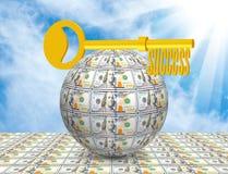 Chiave sulla palla del primo piano dei soldi Simbolizza l'affare, i soldi, successo fotografia stock libera da diritti