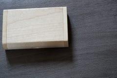 Chiavetta USB con superficie di legno in scatola per il computer portatile alimentabile del computer della porta USB per i dati d Fotografie Stock