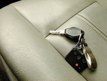 Chiavi dell'automobile su Front Seat Immagini Stock Libere da Diritti