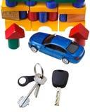 Chiavi della porta, chiave del veicolo, nuovo modello blu dell'automobile Immagine Stock Libera da Diritti