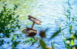 CHIBA, JAPAN: Kein Fischen im Fluss, Tokyo Disneyland Stockfotos