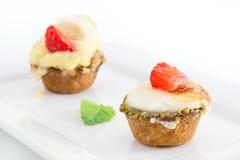 Chibouste馅饼用香草和果子 免版税库存图片