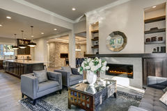 Free Chic Living Room Filled With Built-in Fireplace Stock Photo - 85564900