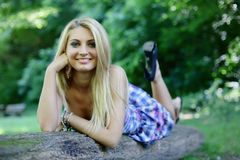 Chica joven al aire libre Imágenes de archivo libres de regalías