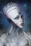 Chica joven compuesta como extranjero en el fondo de distancias cósmicas Imagenes de archivo