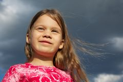 Chica joven con el pelo largo Imagen de archivo