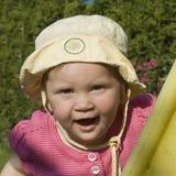 Chica joven con el sombrero del sol Imagen de archivo libre de regalías