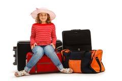 Chica joven con equipajes Foto de archivo libre de regalías