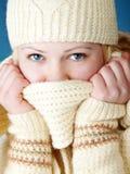 Chica joven con la bufanda Imagen de archivo libre de regalías