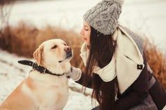 Chica joven con la mirada del amor Fotos de archivo