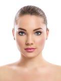 Chica joven con la piel limpia en cara bonita Fotos de archivo libres de regalías