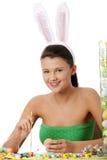 Chica joven con los oídos del conejito Fotos de archivo libres de regalías