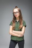 Chica joven con los vidrios negros Fotografía de archivo