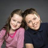 Chica joven con su amigo Foto de archivo libre de regalías