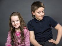 Chica joven con su amigo Imágenes de archivo libres de regalías