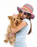 Chica joven con un terrier de yorkshire Imagen de archivo