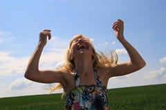 Chica joven de griterío Fotos de archivo