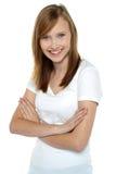 Chica joven de moda en camiseta blanca prístina Fotografía de archivo libre de regalías