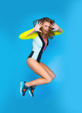 Chica joven de salto Foto de archivo