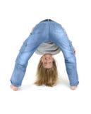 Chica joven - doblando fotografía de archivo libre de regalías