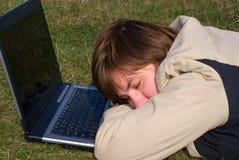 Chica joven dormida que cae Imagen de archivo libre de regalías