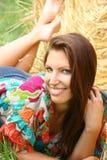Chica joven en el campo Imagen de archivo