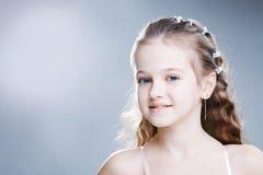 Chica joven en el estudio Imagenes de archivo