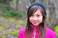 Chica joven en el otoño Foto de archivo
