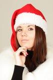 Chica joven en el sombrero de santa Fotografía de archivo