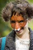 Chica joven en el zorro/el tengu cosplay Fotos de archivo libres de regalías