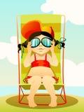 Chica joven en gafas de sol en una playa Foto de archivo