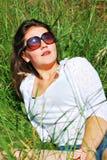 Chica joven en naturaleza Foto de archivo libre de regalías