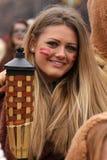 Chica joven en traje de mascarada tradicional fotografía de archivo libre de regalías