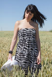 Chica joven en trigo Imagen de archivo