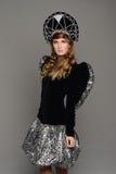 Chica joven en vestido del th del estilo ruso Imagen de archivo libre de regalías