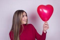 Chica joven feliz en amor Imagen de archivo libre de regalías