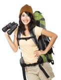 Chica joven feliz que va el vacaciones Fotos de archivo libres de regalías