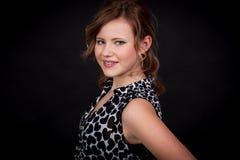 Chica joven hermosa con una sonrisa sincera Foto de archivo libre de regalías