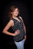 Chica joven hermosa con una sonrisa sincera Imagen de archivo libre de regalías