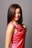 Chica joven hermosa en alineada corta Foto de archivo libre de regalías