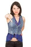 Chica joven hermosa que lleva la presentación superior de la cosecha azul Imágenes de archivo libres de regalías