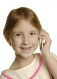 Chica joven que habla en el teléfono celular Fotografía de archivo